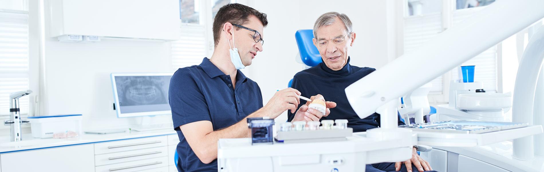 Zahnarztpraxis Dr. Wiesner - Implantate in Tübingen 1